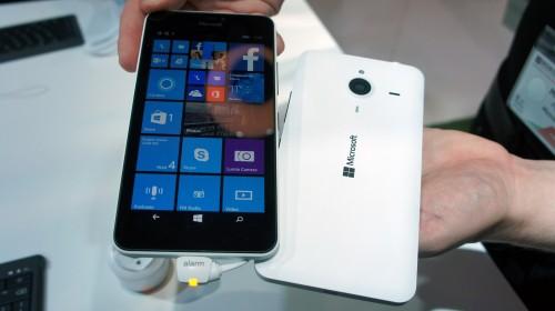 Tanie smartfony hitem targów MWC