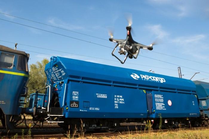 Z danych PKP Cargo wynika, że w pierwszej połowie 2015 r., czyli kiedy drony były już testowane, wartość skradzionych przesyłek  i towarów z wagonów tego przewoźnika spadła o 59% w stosunku do analogicznego okresu ub. r .