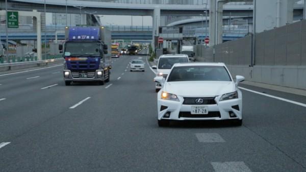 Toyota testuje model z autopilotem oparty na samochodzie Lexus GS.