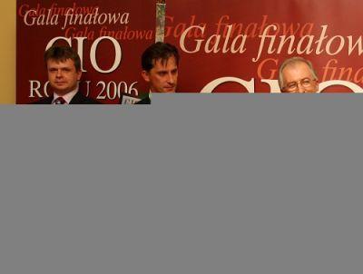 Laureaci odebrali pamiątkowe dyplomy. Od prawej: Andrzej Galik, Piotr Puczyński, Sławomir Pawlak