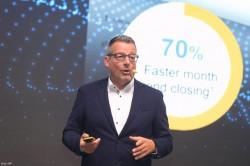 Ralph Schoepfer, Senior Director Global Center of Excellence for SAP S/4HANA Cloud, opowiada o właściwościach systemu.