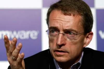 """""""Kluczowym elementem VMware Cloud Foundation jest system sterowanej programowo pamięci masowej vSAN, który ma obecnie na świecie ponad 15 tys. użytkowników i przekraczający 30% udział w rynku w szybko rosnącym segmencie rozwiązań hiperkonwergentnych"""" podkreśla Pat Gelsinger. Źródło: networkworld.com."""