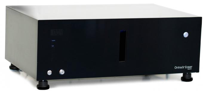 Ontrack Eraser Degausser to urządzenie do fizycznego kasowania danych z nośników magnetycznych, które generuje impuls magnetyczny o wartości 18 000 gaussów