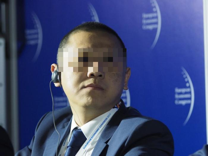 Weijing W., jeden z dyrektorów Huawei, aresztowany pod zarzutem szpiegostwa na rzecz Chin (źródło fotografii: wnp.pl).
