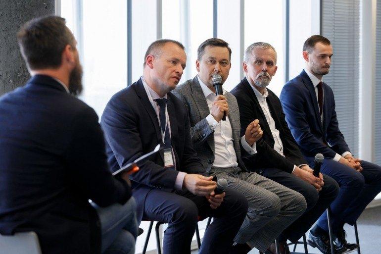 Eksperci podczas klubowej debaty zastanawiali się nad przyszłością technologii w administracji.